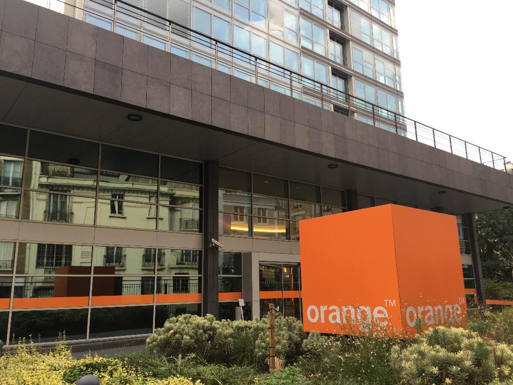 orange vente de t l phonie 78 z rue olivier de serres. Black Bedroom Furniture Sets. Home Design Ideas