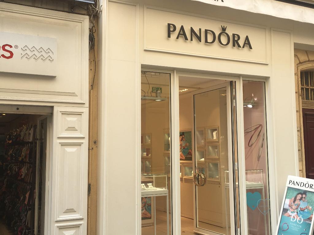magasin pandora le plus proche