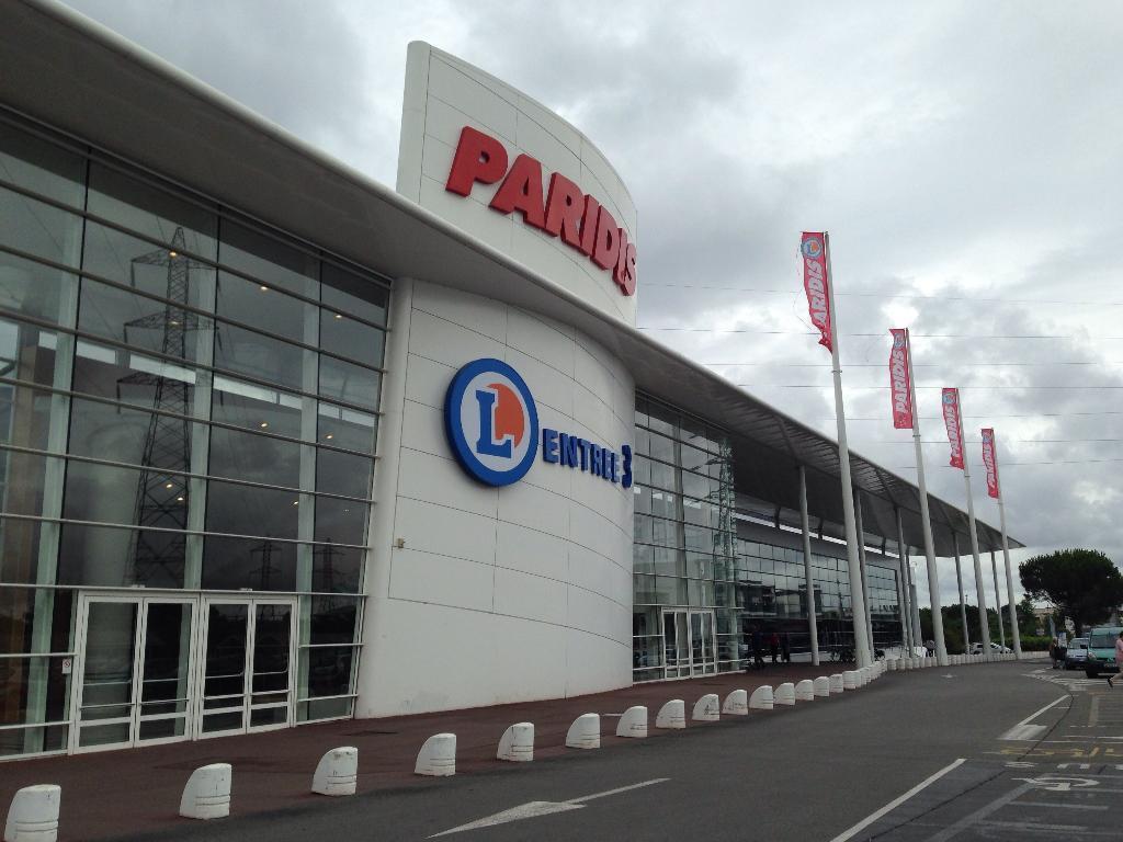 paridis voyages supermarch hypermarch 14 route paris 44000 nantes adresse horaire. Black Bedroom Furniture Sets. Home Design Ideas
