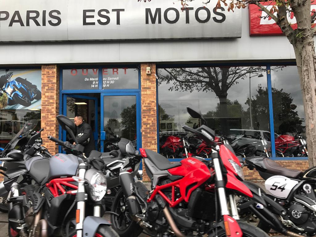 paris est moto agent concessionnaire motos et scooters 200 boulevard de stalingrad 94500. Black Bedroom Furniture Sets. Home Design Ideas