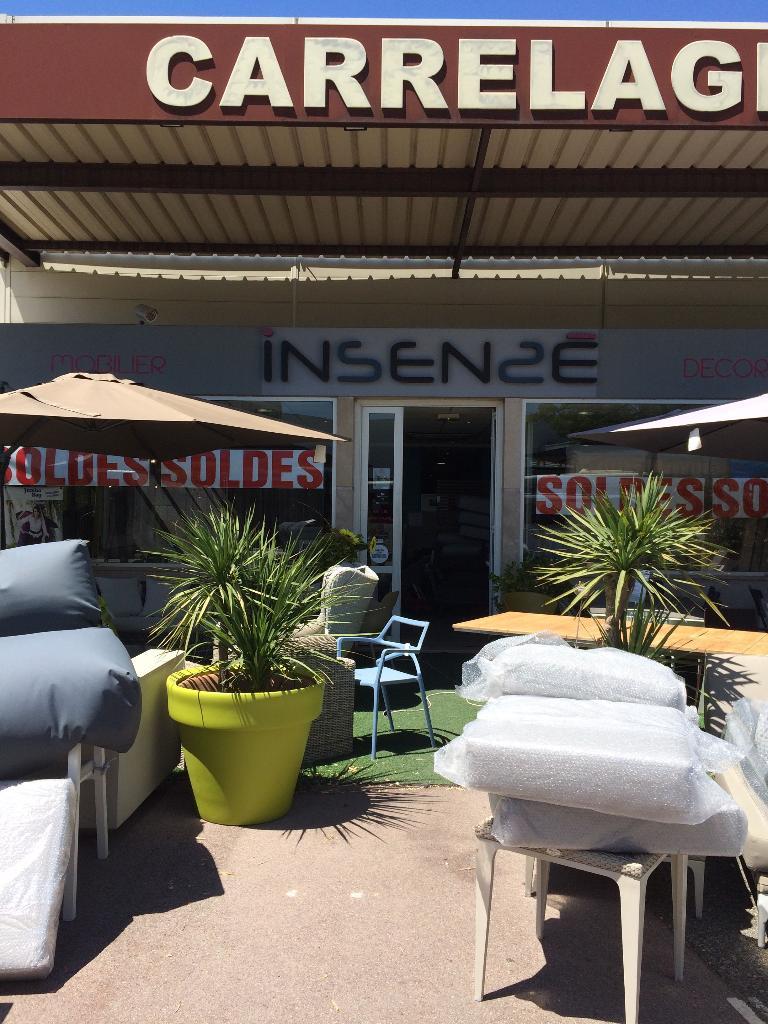 insense magasin de meubles 19 avenue des paluds 13400 aubagne adresse horaire. Black Bedroom Furniture Sets. Home Design Ideas