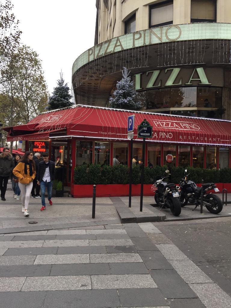 pizza pino restaurant 31 avenue des champs elys es 75008 paris adresse horaire. Black Bedroom Furniture Sets. Home Design Ideas