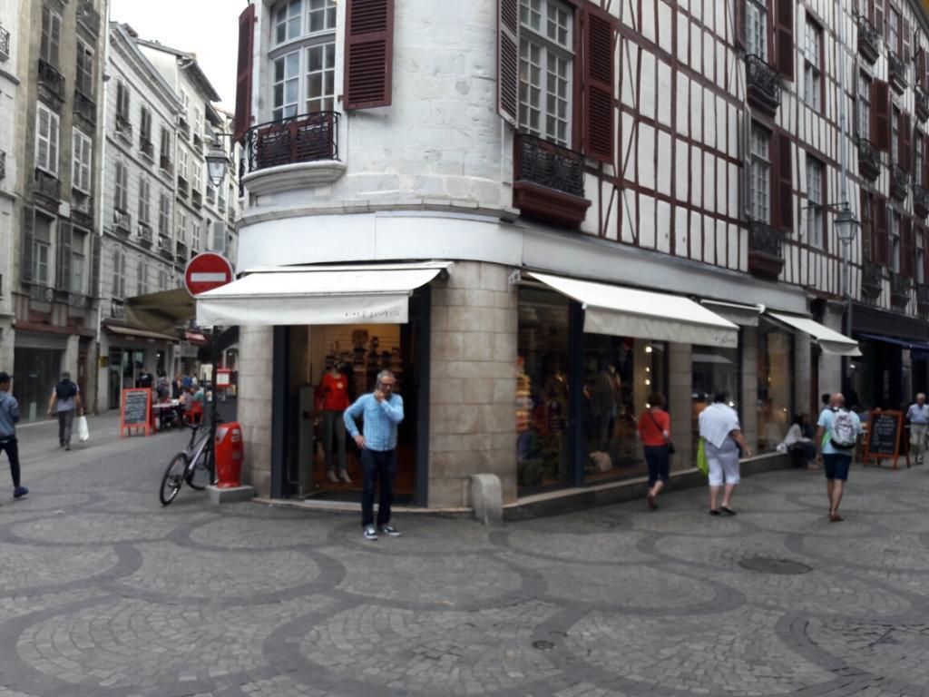 plumcocq et cie magasin de sport 45 rue victor hugo 64100 bayonne adresse horaire. Black Bedroom Furniture Sets. Home Design Ideas