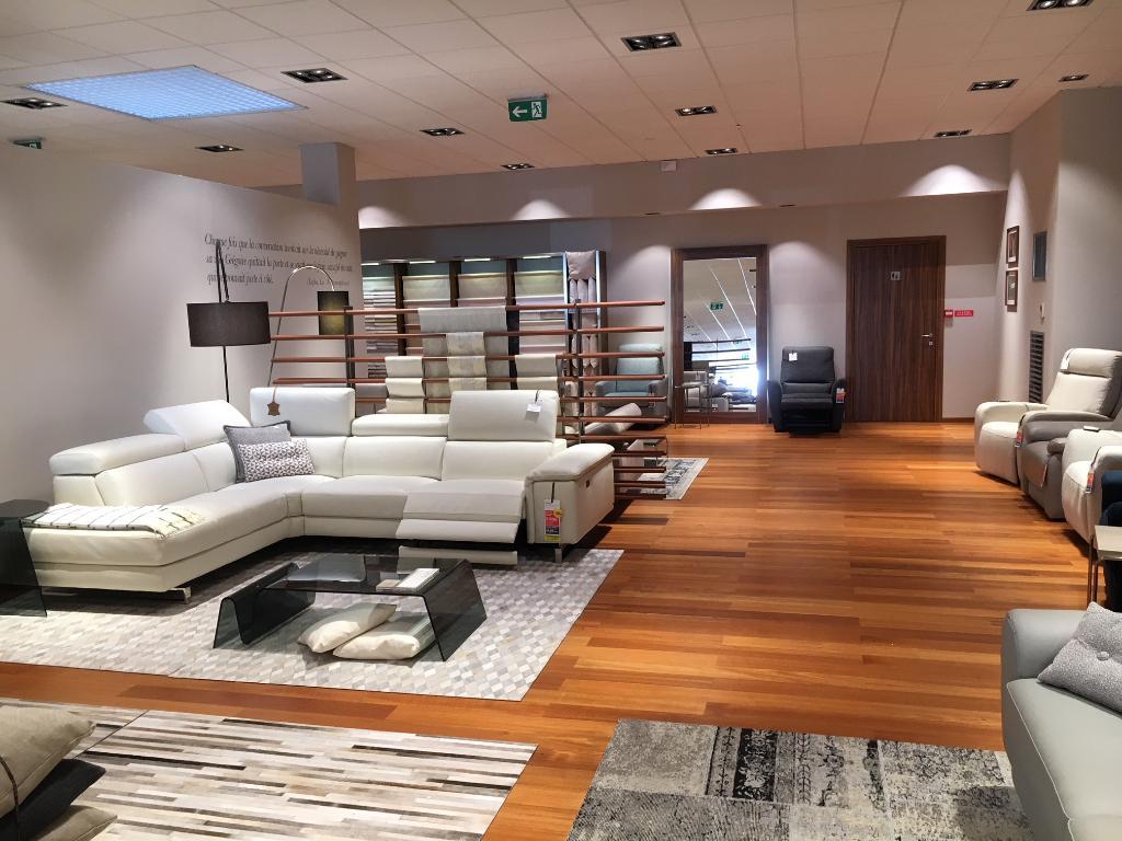 poltronesofa reims cormontreuil magasin de meubles 25 rue laps 51350 cormontreuil adresse. Black Bedroom Furniture Sets. Home Design Ideas