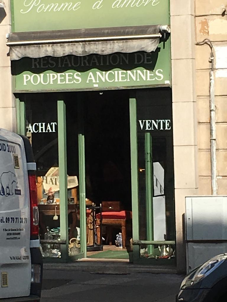 pomme d ambre achat et vente d 39 antiquit s 1 rue saint dizier 54000 nancy adresse horaire. Black Bedroom Furniture Sets. Home Design Ideas
