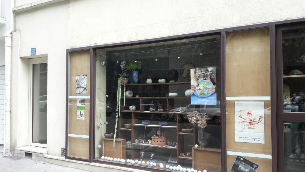 poussiere de terre poterie 21 rue labrouste 75015 paris adresse horaire. Black Bedroom Furniture Sets. Home Design Ideas