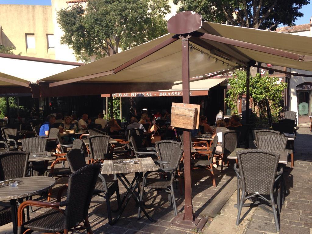 Pub au bureau pl centuries salon de provence restaurant