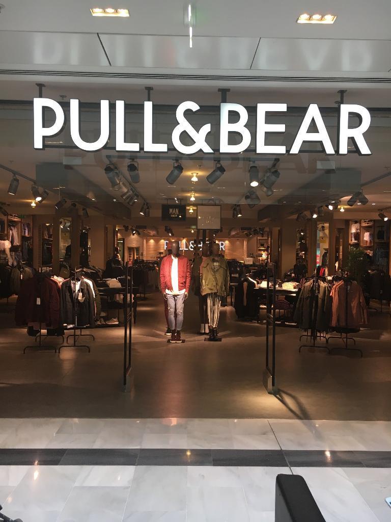 pull and bear v tements femme 31 rue alsace 92300. Black Bedroom Furniture Sets. Home Design Ideas