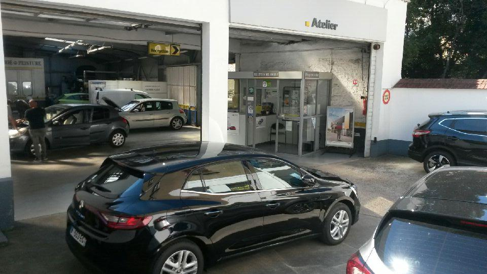 Renault garage du centre vendeur agr e garage automobile for Garage a herblay