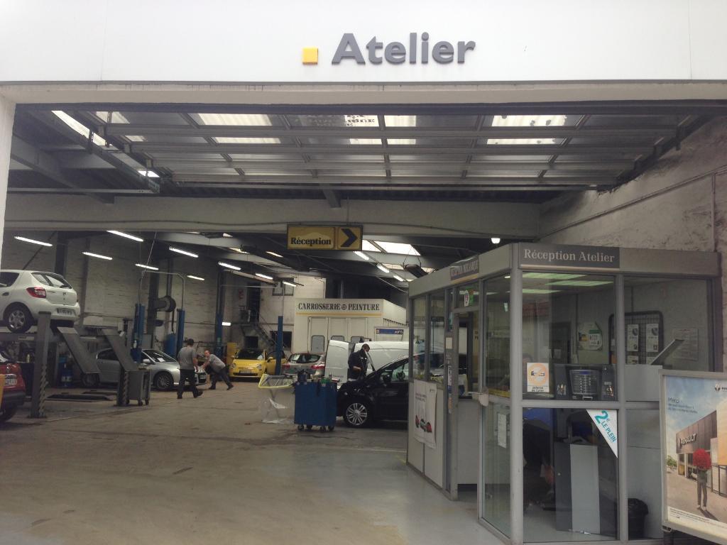 Renault garage du centre vendeur agr e garage automobile for Garage renault rue gambetta le mans