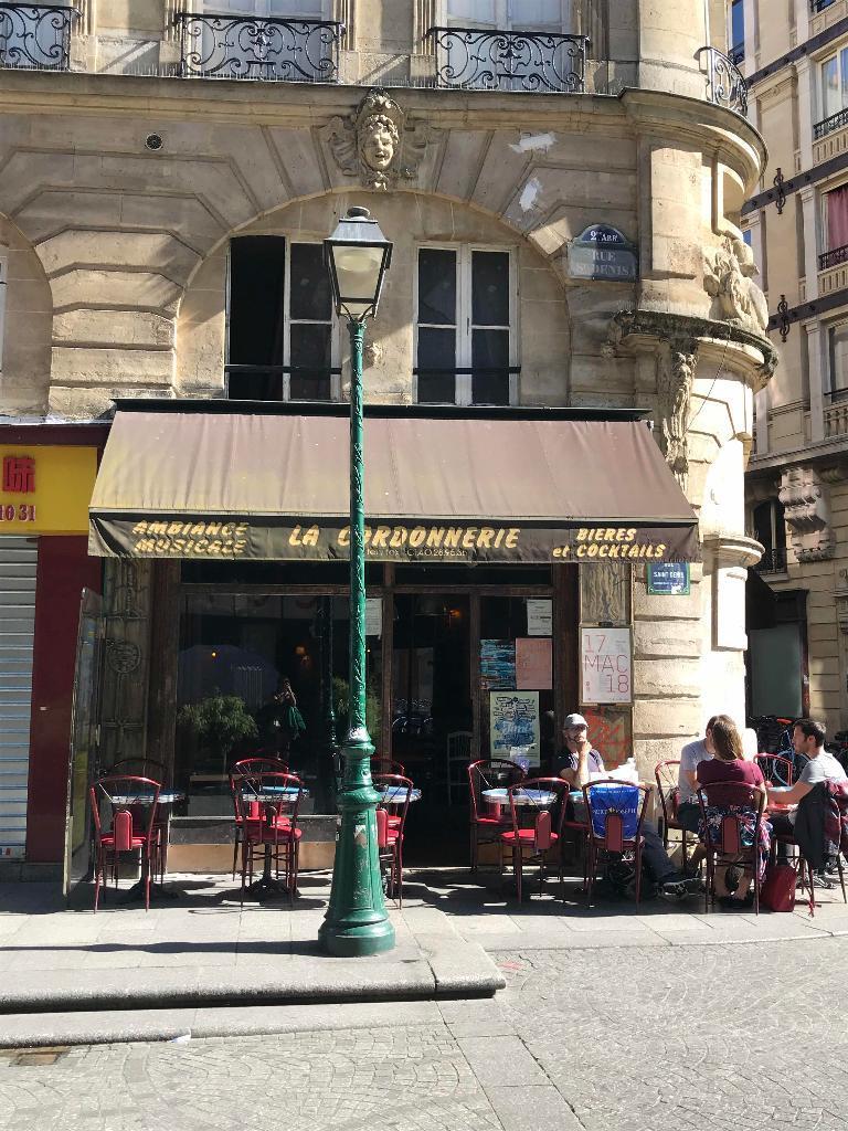 Ouverture De Champeaux Restaurant Paris