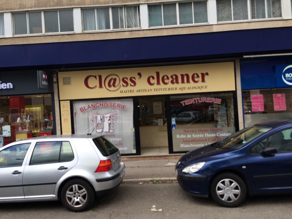 class cleaner pressing 10 avenue de l 39 europe 92310 s vres adresse horaire. Black Bedroom Furniture Sets. Home Design Ideas