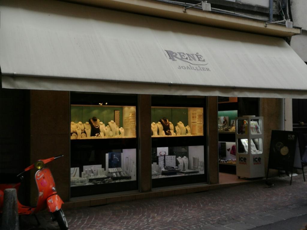Bijouterie ren joaillier bijoux 19 rue des fr res - Piscine aurillac horaires ...