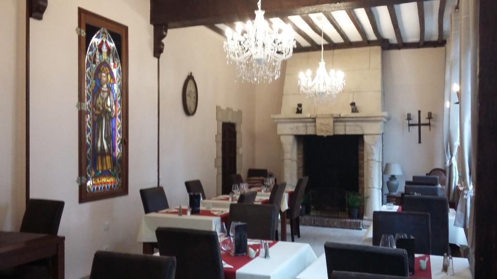 Restaurant St Edouard Bernay