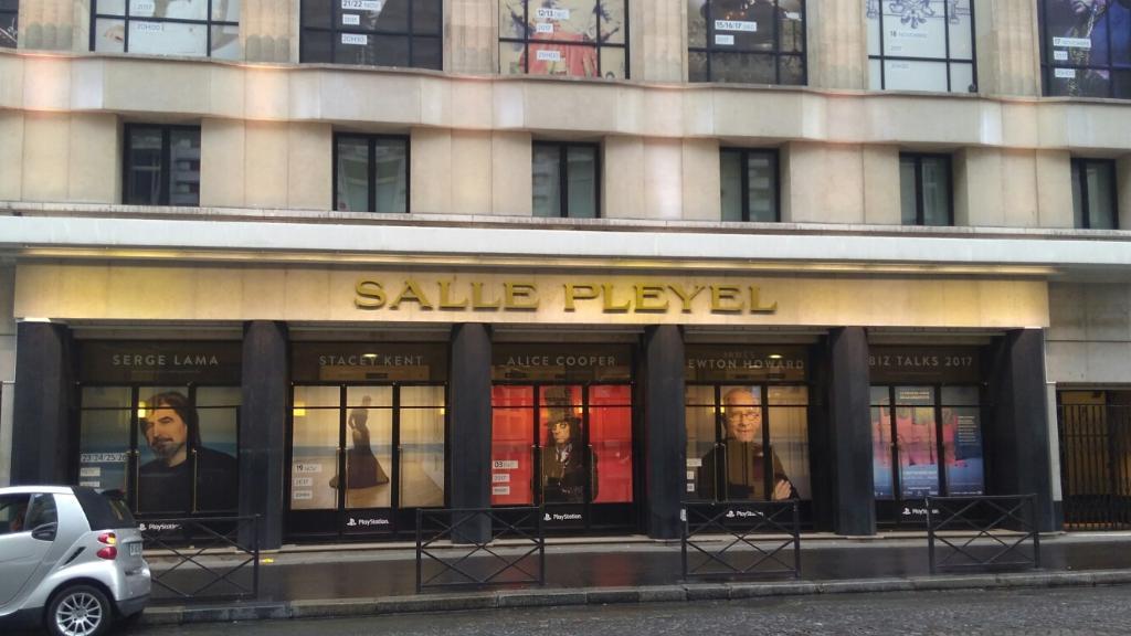 salle pleyel caf bar 252 bis rue du faubourg saint. Black Bedroom Furniture Sets. Home Design Ideas