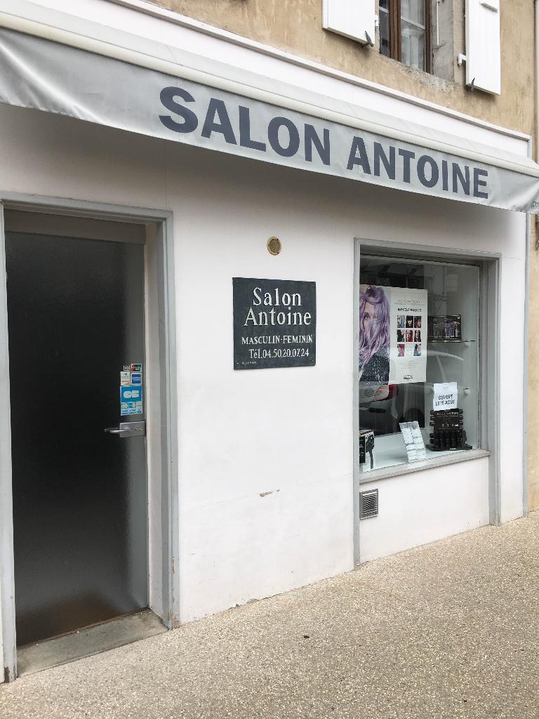 Salon de coiffure antoine coiffeur 3 grande rue 01220 for Un salon de coiffure