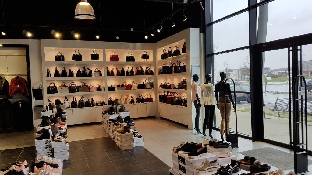 sarl model 39 s chaussures 12 avenue camp dolent 76700 gonfreville l 39 orcher adresse horaire. Black Bedroom Furniture Sets. Home Design Ideas
