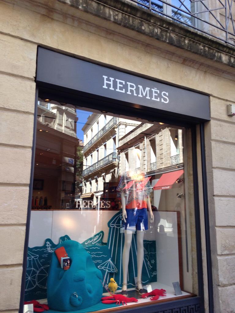 e5e69be86e Hermès, 5 r Jacques Coeur, 34000 Montpellier - Maroquinerie (adresse,  horaires)