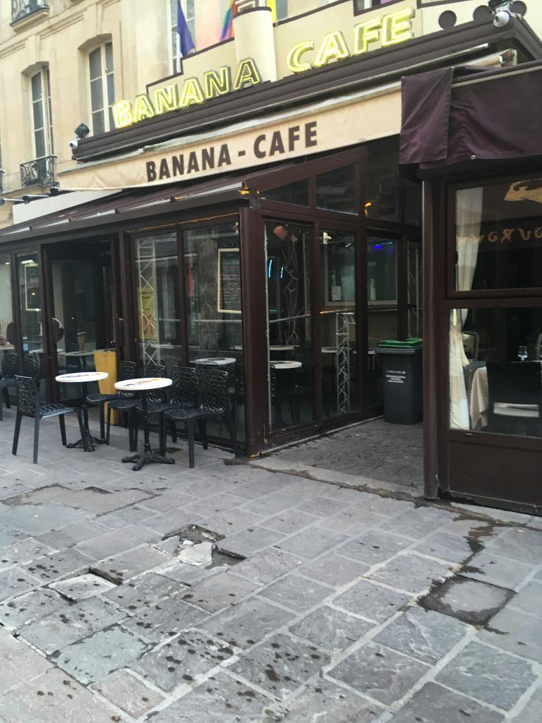 banana caf caf bar 13 rue ferronnerie 75001 paris adresse horaire. Black Bedroom Furniture Sets. Home Design Ideas