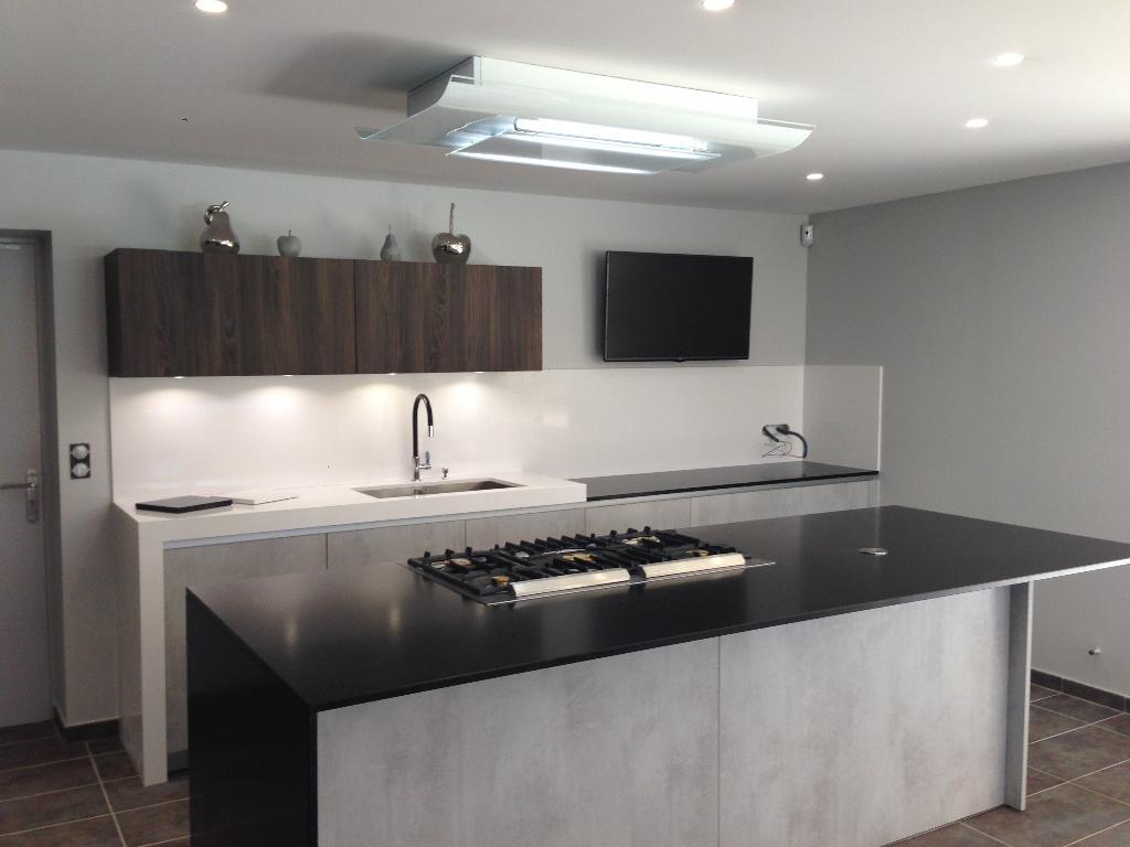 show home concept vente et installation de cuisines 33 avenue fr d ric mistral 38670 chasse. Black Bedroom Furniture Sets. Home Design Ideas