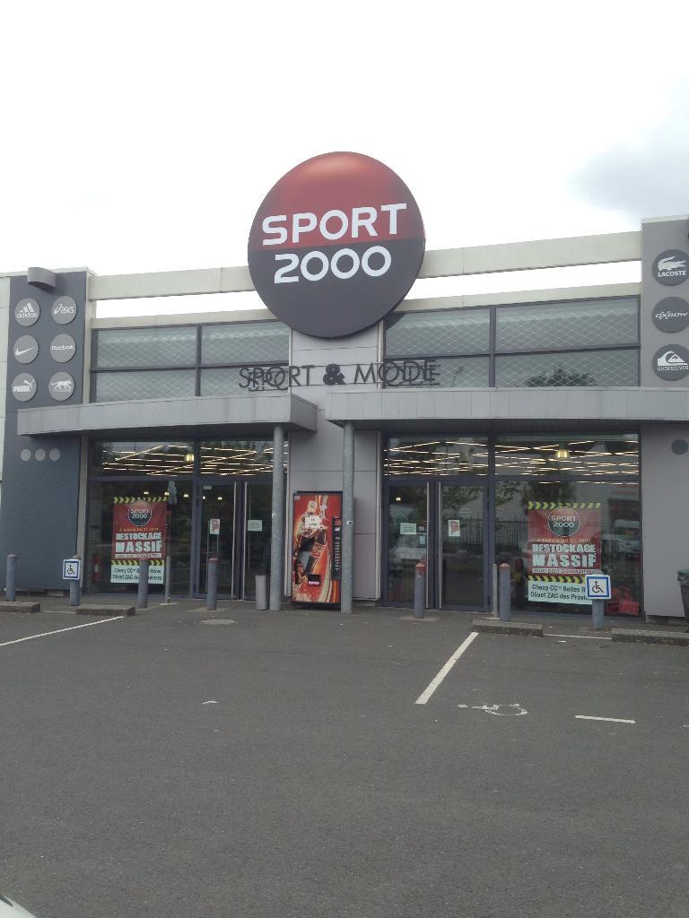 sport 2000 magasin de sport route d 39 olivet 45160 saint hilaire saint mesmin adresse horaire. Black Bedroom Furniture Sets. Home Design Ideas