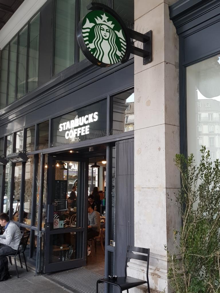 starbucks coffee st lazare restaurant 106 bis rue saint. Black Bedroom Furniture Sets. Home Design Ideas