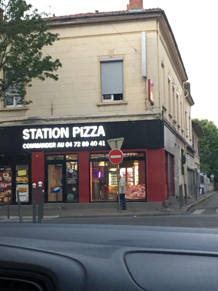 station pizza livraison de pizzas 15 avenue gabriel p ri 69190 saint fons adresse horaire. Black Bedroom Furniture Sets. Home Design Ideas