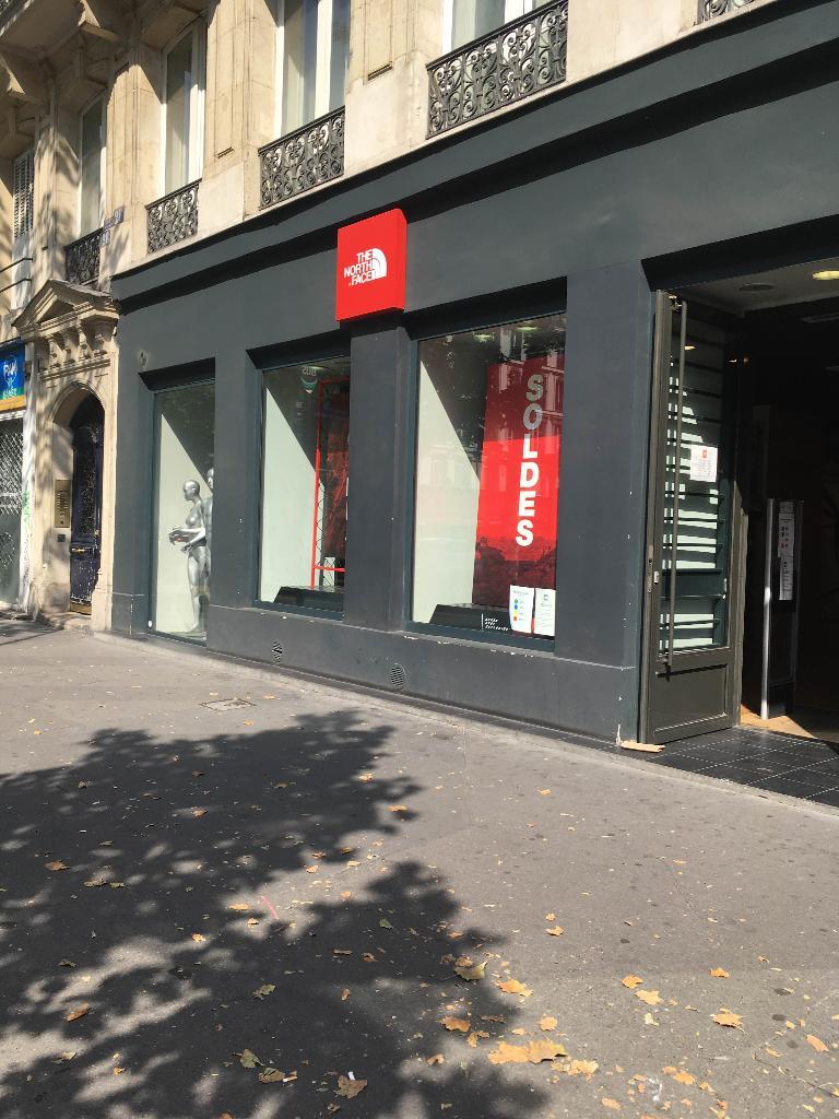 the north face magasin de sport 28 boulevard s bastopol 75004 paris adresse horaire. Black Bedroom Furniture Sets. Home Design Ideas