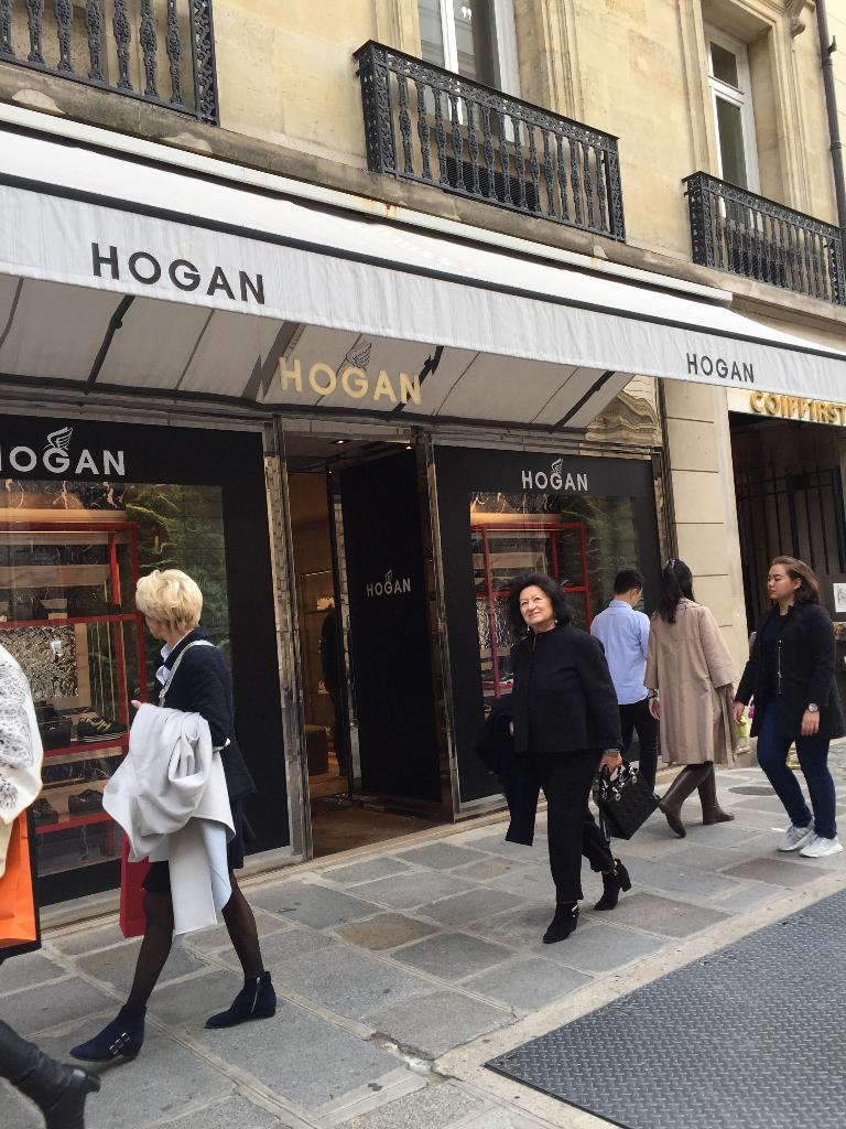 83be0ca72d1 Hogan Paris - Magasin de chaussures (adresse