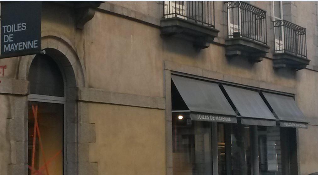 Toiles de mayenne tissus au m tre 15 rue monnaie 35000 rennes adresse horaire - Comptoir des cotonniers rennes ...