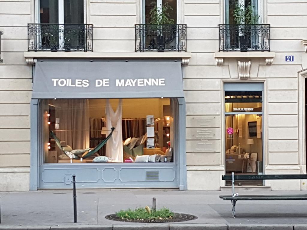 toiles de mayenne tissus au m tre 21 avenue niel 75017 paris adresse horaire. Black Bedroom Furniture Sets. Home Design Ideas