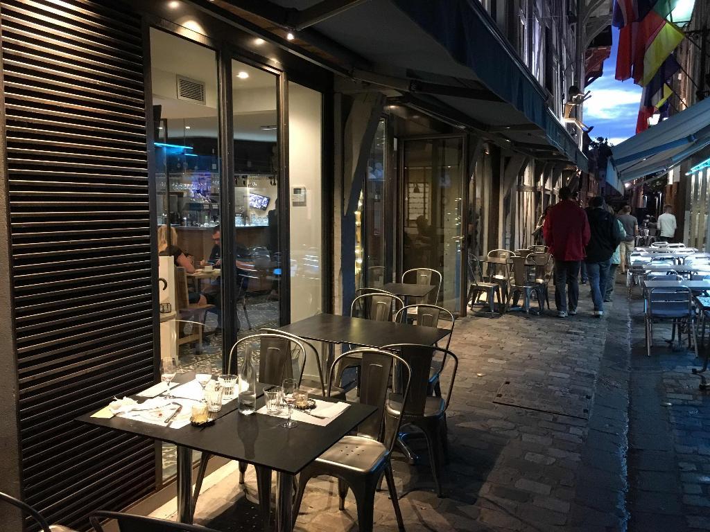 Pizzeria guiseppino restaurant 26 rue paillot de - Restaurant la table de francois troyes ...