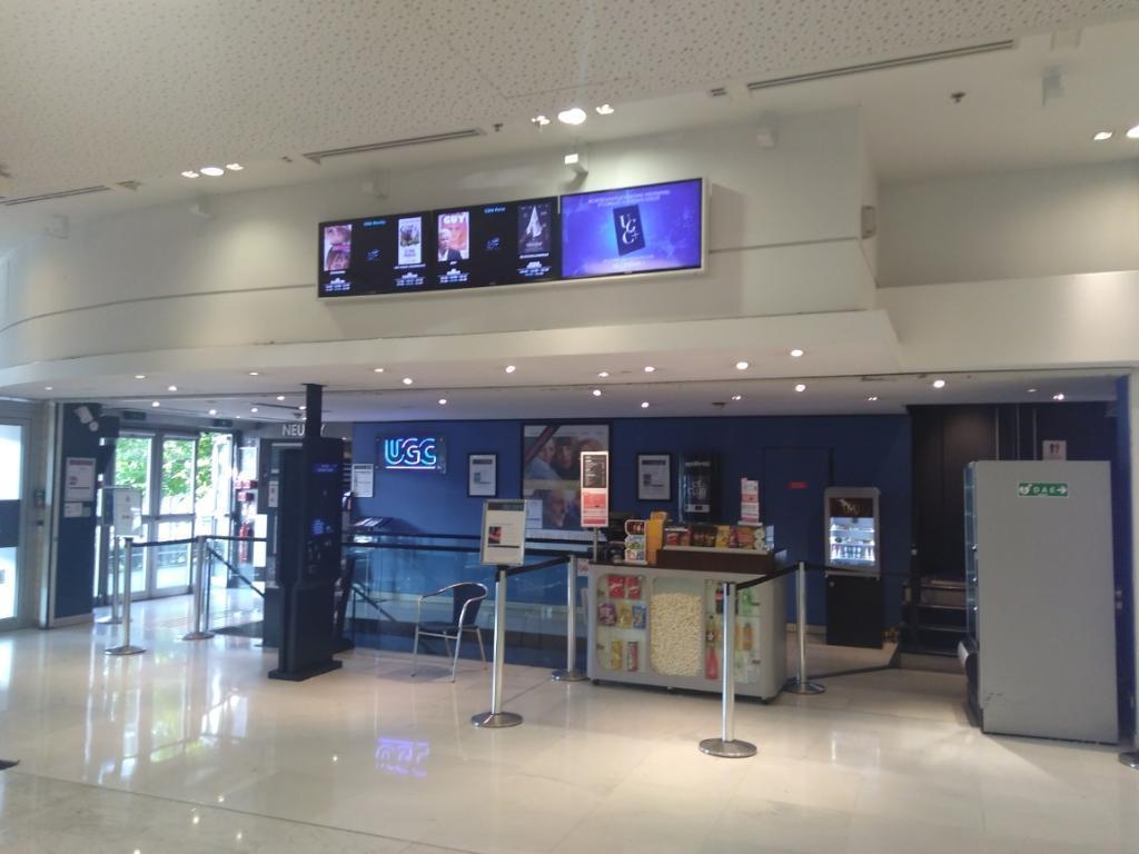 Ugc Maillot Cinema Place De La Porte Maillot 75017 Paris