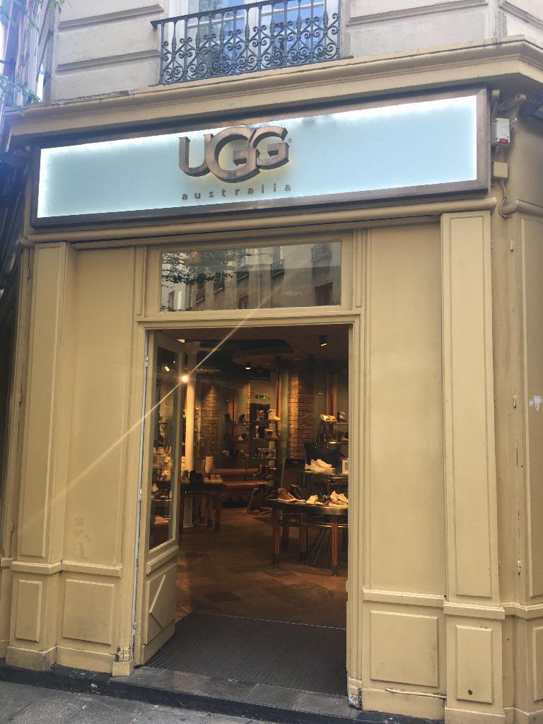 ugg boutique paris