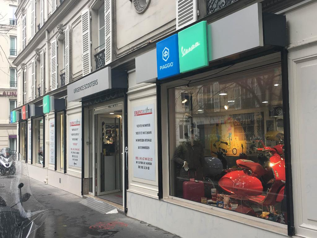 urgence scooters agent concessionnaire motos et scooters 72 boulevard beaumarchais 75011. Black Bedroom Furniture Sets. Home Design Ideas