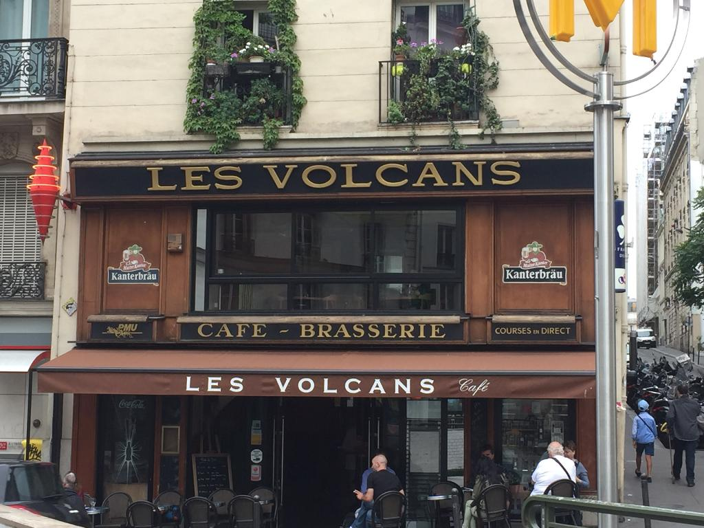 les volcans restaurant 105 rue du faubourg poissonni re 75009 paris adresse horaire. Black Bedroom Furniture Sets. Home Design Ideas